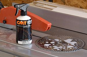 Perfect cleaning of saw blades and other carpentry tools
